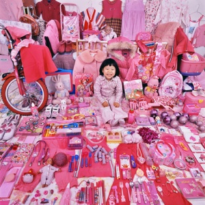 """Jiseon and Her Pink Things"", JeongMee Yoon, The Pink and Blue Project"