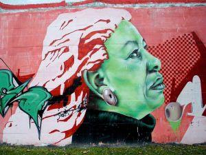 800px-Vitoria_-_Graffiti_&_Murals_0392